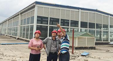汉工钢构董事长等领导视察悦城项目建筑工程