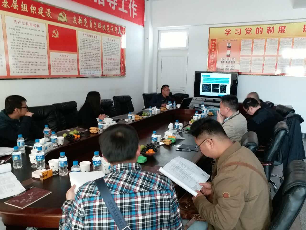 云南省设计院集团副院长邓宏旭领导一行人莅临汉工钢构装配式建筑工地(竣工)考察